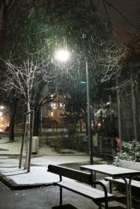 schnee fällt